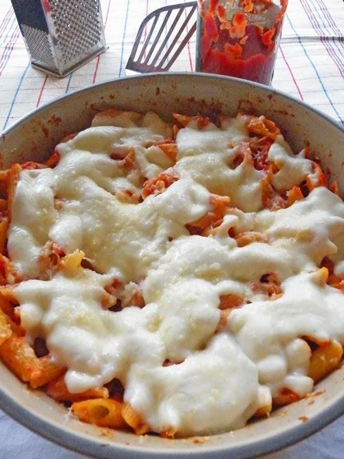 Pasta al forno al sapore di pizza