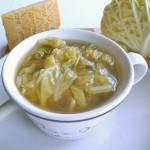 Zuppa di cavolo verza alle 7 spezie