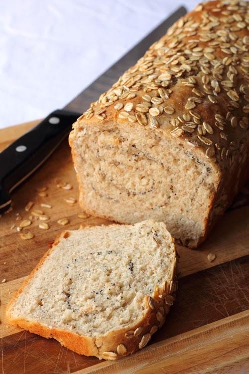 Pane di Kamut fatto in casa con semini e fiocchi d'avena