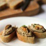 Baguette di lenticchie con paté di lenticchie ai funghi