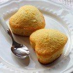 Mini cake semplicissime agli agrumi. Ricetta senza burro e senza latte