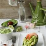 Linguine con gamberi e salsa di avocado