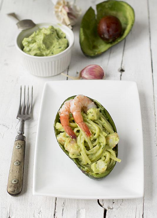 pasta salsa avocado