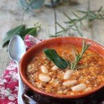Zuppa di miglio con legumi ed erbe aromatiche