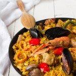 Arroz mixto con carne e frutti di mare