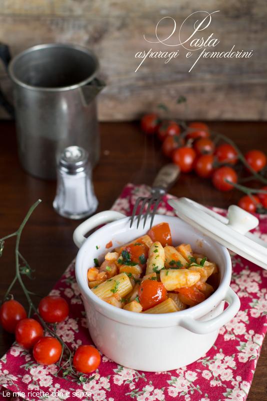 rigatoni con pomodori ciliegino e asparagi bianchi di Rivoli