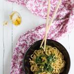 Noodles al curry: ricetta per riciclare il pollo arrosto