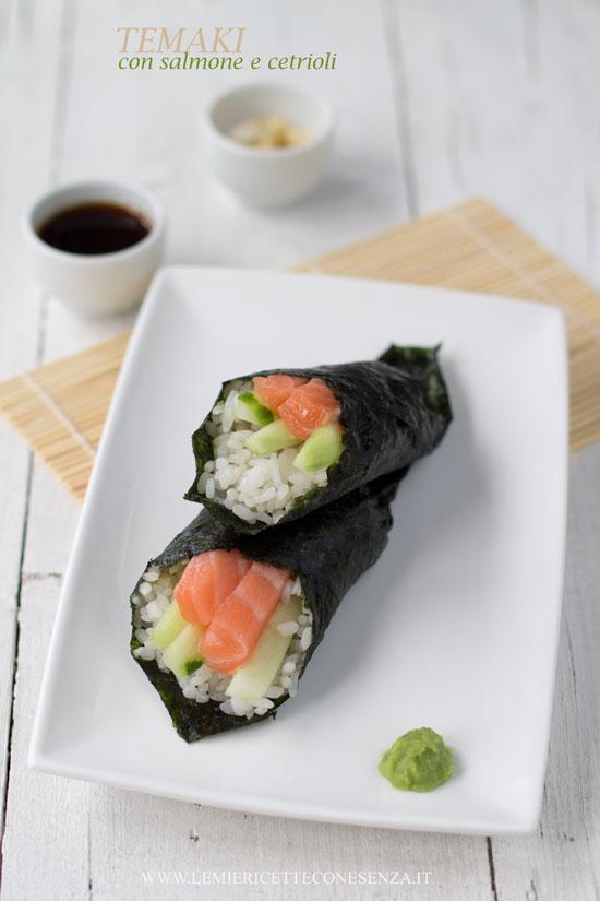La ricetta dei Temaki: coni di sushi da arrotolare a mano