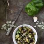Contorno leggero di melanzane, peperoni e zucchine saltati