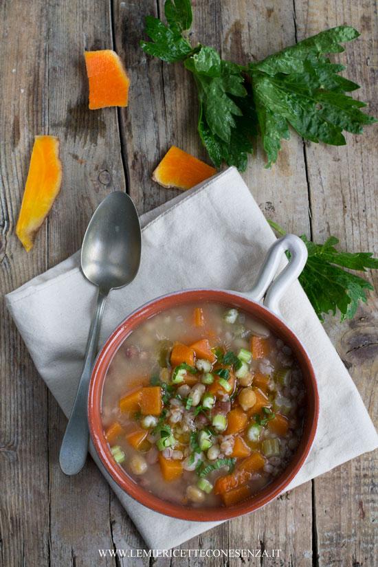 minestra-di-zucca-e-legumi