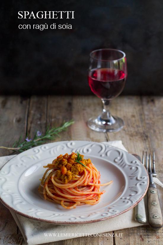 spaghetti con ragù di soia