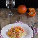 Tagliatelle con salmone affumicato e arancia
