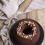 Chiffon cake al cacao con crema alle nocciole