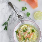 Risotto al salmone affumicato e limone mantecato all'avocado