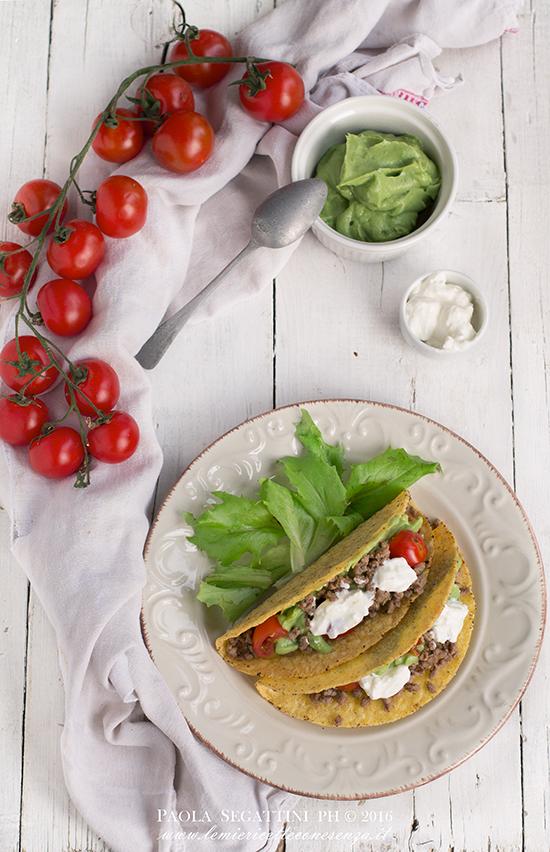 tacos con manzo e guacamole