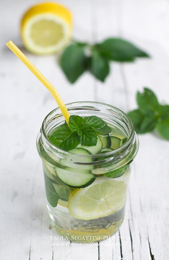 Acqua detox al cetriolo, limone e menta