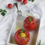Pomodori ripieni di uova al forno
