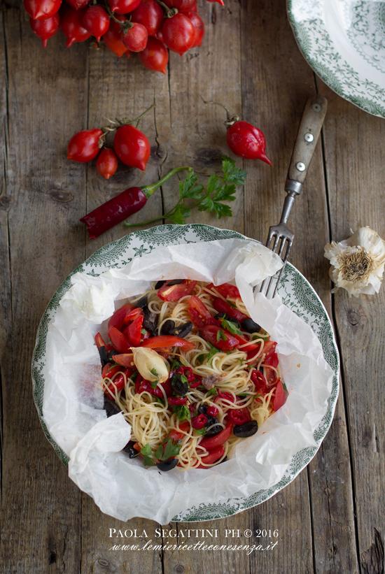 spaghetti-al-cartoccio-con-pomodorini
