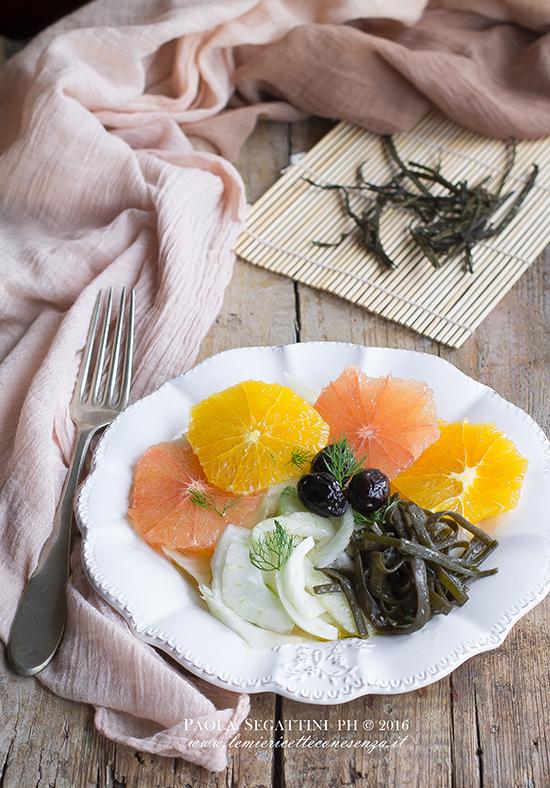 Insalata di agrumi con alghe marinate