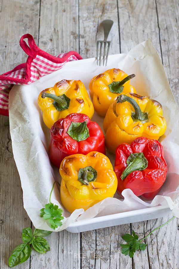 Peperoni ripieni al forno senza carne