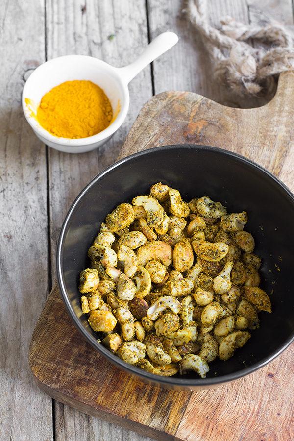 Ricetta: anacardi tostati alla curcuma