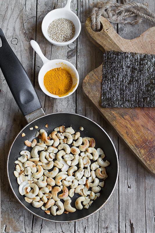 Come tostare gli anacardi: ricetta