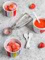 Gelato alle fragole senza gelatiera con panna montata