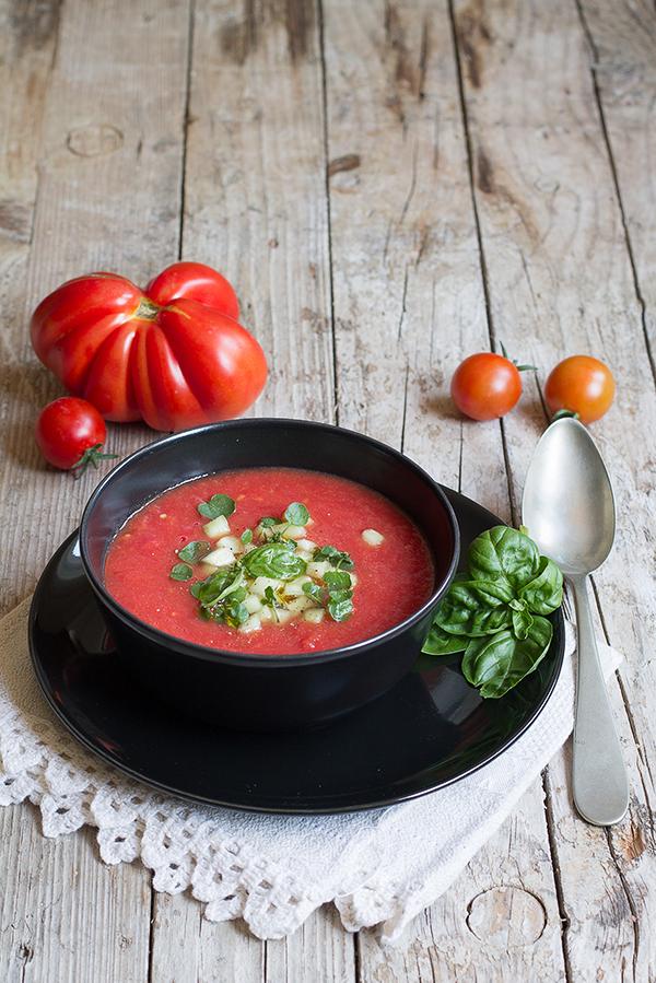 zuppa di pomodori fredda